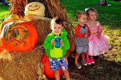 Pittsboro, OR : Enfants à l'événement de PumpkinFest Image libre de droits