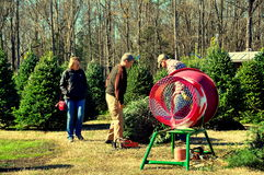 Pittsboro, NC: Couple Buying Christmas Tree Royalty Free Stock Images