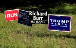 Pittsboro, NC: Muestras 2016 de la campaña electoral de  Imagen de archivo libre de regalías