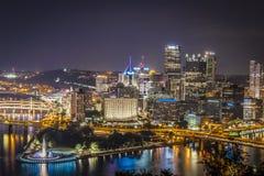 Pittsburgh alla notte Fotografia Stock