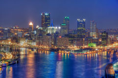Pittsburgh bij Nacht Stock Foto's