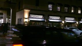PITTSBURGH - Circa febrero de 2018 - cacerolas de la cámara a Pitt Store en la universidad del campus de Pittsburgh almacen de video
