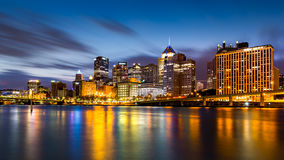 Free Pittsburgh Downtown Skyline At Dawn Stock Photography - 81128272