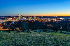 Pittsburgh horisont på solnedgången Arkivfoto