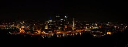 Pittsburgh, horizonte de la noche del PA Fotos de archivo libres de regalías