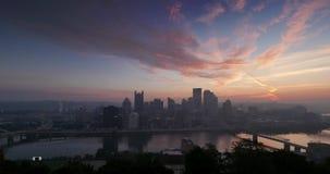 Pittsburgh-Nacht zum Tagessonnenaufgang Timelapse stock footage