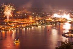 Pittsburgh norr kust på natten Arkivbild