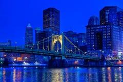 Pittsburgh på natten Arkivfoton