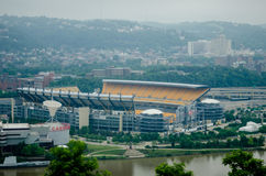 Pittsburgh pa skyline  on cloudy day Stock Images