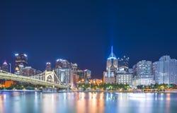 Pittsburgh, Pennsylvanie, Etats-Unis : 8-21-17 horizon de Pittsburgh au nig photographie stock