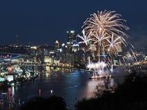 Pittsburgh-Skyline an der Dämmerung Stockfoto