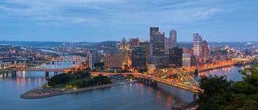 Pittsburgh-Skylinepanorama. Lizenzfreies Stockfoto