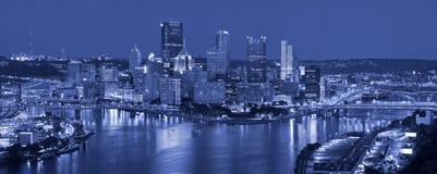 Pittsburgh-Skylinepanorama. lizenzfreie stockbilder