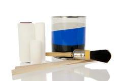 Pittura del vaso con la spazzola ed il rullo Fotografie Stock Libere da Diritti