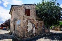 Pittura della via in Tinnura, Sardegna Immagini Stock Libere da Diritti