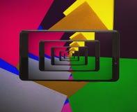 Pittura ed oggetti nel telefono cellulare immagini stock
