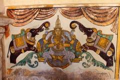 Pittura indù di concetto dalle pareti di un tempio indiano del sud Immagine Stock