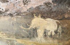 Pittura preistorica della caverna Bhimbetka - in India. Fotografia Stock