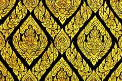 Pittura tradizionale tailandese squisita sulla finestra del tempio Fotografie Stock