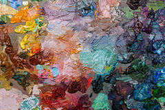 pitture ad olio degli artisti sulla tavolozza di legno Fotografia Stock Libera da Diritti