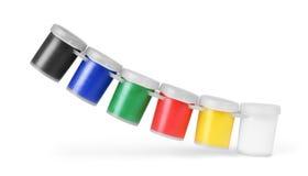 Pitture, barattoli o latte di colore di gouache isolati su fondo bianco Immagini Stock Libere da Diritti
