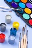 Pitture e spazzola fotografia stock