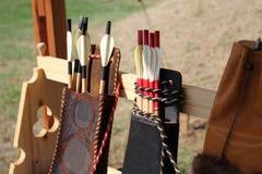 Piume colorate per le frecce in un fremito Fotografie Stock