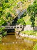 Pivka-Fluss-Schwalbenloch stockfoto
