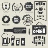 Piwna odznaka projekta kolekcja czarny i biały Zdjęcie Stock