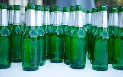 piwne butelki Zdjęcia Royalty Free