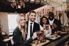 Piwo chłopaki 2 giro Napojów Alkoholiczni napoje zdjęcia royalty free