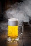 piwo tła szklankę jasnożółty Obraz Royalty Free