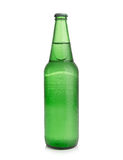 Piwo w zielonej butelce na białym tle Obraz Royalty Free
