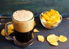 Piwo z układami scalonymi Zdjęcia Stock