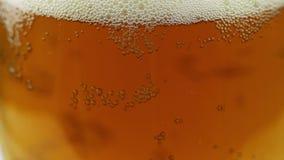 Piwu Nalewają wewnątrz szkło 4 zbiory