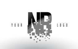 Pixel-Buchstabe-Logo NR N R mit Digital zerbrochenen schwarzen Quadraten Stockfotografie