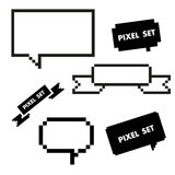 Pixelikone eingestellt mit Spracheblase Stockfotos