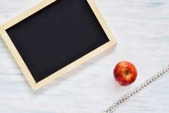 Pizarra con el copyspace Concepto de la aptitud y de la dieta Foto de archivo libre de regalías