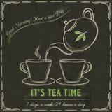 Pizarra de Brown con dos tazas de té y de tetera calientes Imágenes de archivo libres de regalías