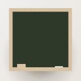 Pizarra en blanco con la tiza y el borrador, vector Imagen de archivo libre de regalías