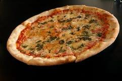Pizza 2 van de spinazie stock foto