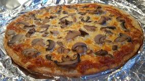 Pizza acabada de la seta Imagen de archivo libre de regalías