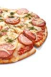 Pizza affettata della cipolla e della salsiccia Immagini Stock Libere da Diritti