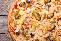Pizza ai�frutti di�mare closeup top view Stock Images