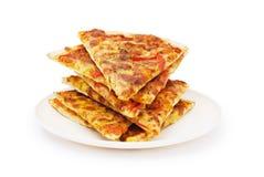 Pizza aislada en el blanco Imagen de archivo libre de regalías
