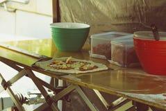 Pizza al mercato dell'alimento Fotografia Stock