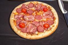 Pizza, alimenti a rapida preparazione Fotografie Stock Libere da Diritti