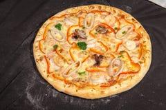 Pizza, alimenti a rapida preparazione Fotografie Stock