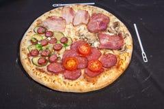 Pizza, alimenti a rapida preparazione Fotografia Stock