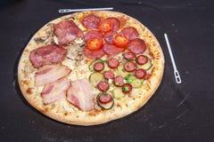 Pizza, aliments de préparation rapide Image stock